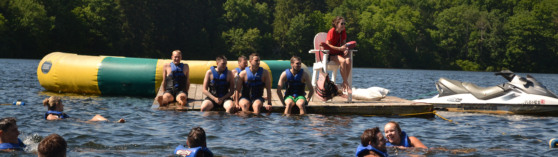 Spend your summer on a lake in the sunshine - teach swimming in America!