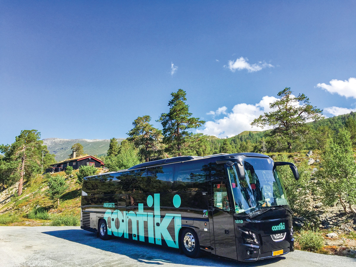 contiki bus travel